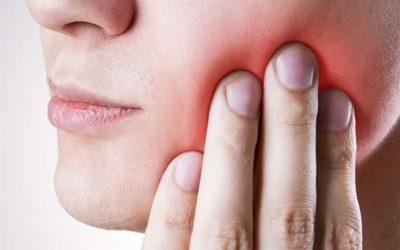 Guide sur les dents de sagesse : Symptômes, opération et cicatrisation